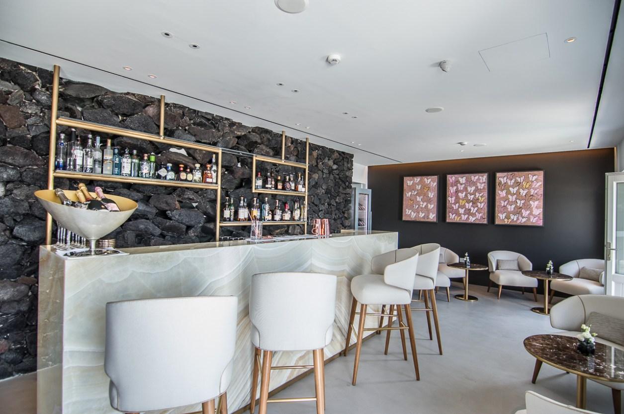 Santorini-grace-hotel-bar