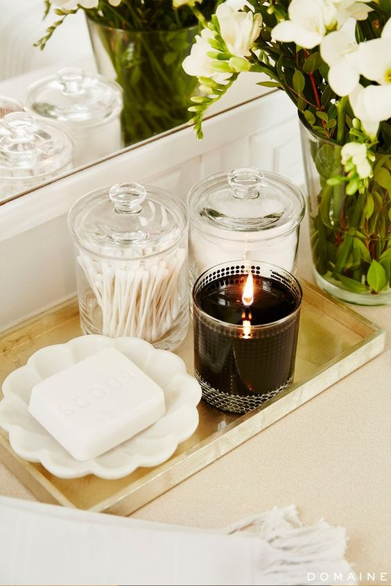 chic bathroom tray candle