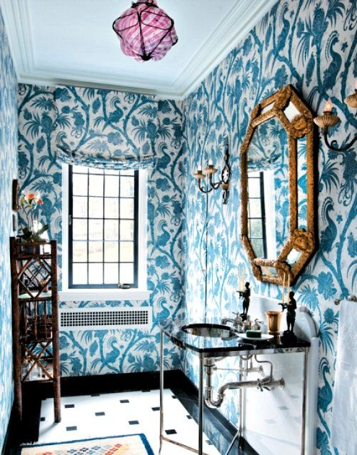 turquoise-and-white-wallpaper-guest-bathroom