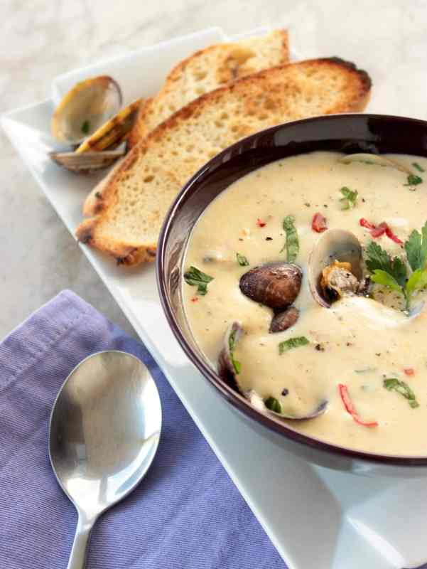 Classic New England clam chowder - Fresh clams, potatoes and bacon ...