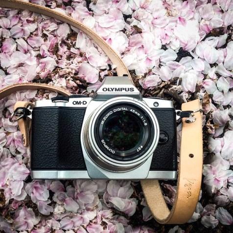 Figosa-camera-strap-on-OMD