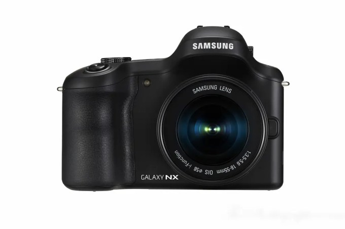Chris Gampat The Phoblographer Samsung Galaxy NX Camera product photos (1 of 8)