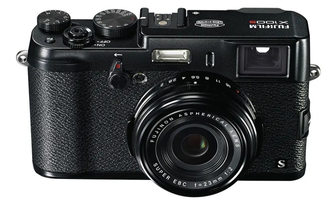 Kevin Lee The Phoblographer Fujifilm X100s Black Product Images 1