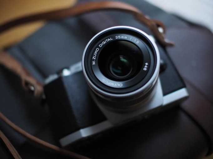 Olympus EM5 and 25mm f1.8 the phoblographer chris gampat