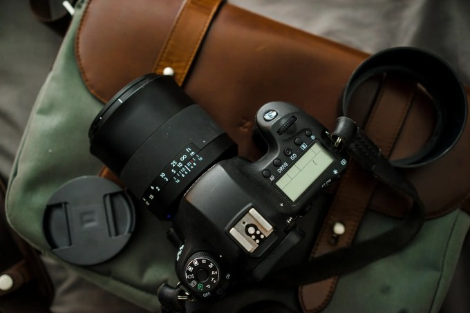 Chris Gampat The Phoblographer Zeiss 50mm f1.4 Milvus lens review product images (7 of 8)ISO 4001-200 sec at f - 4.0