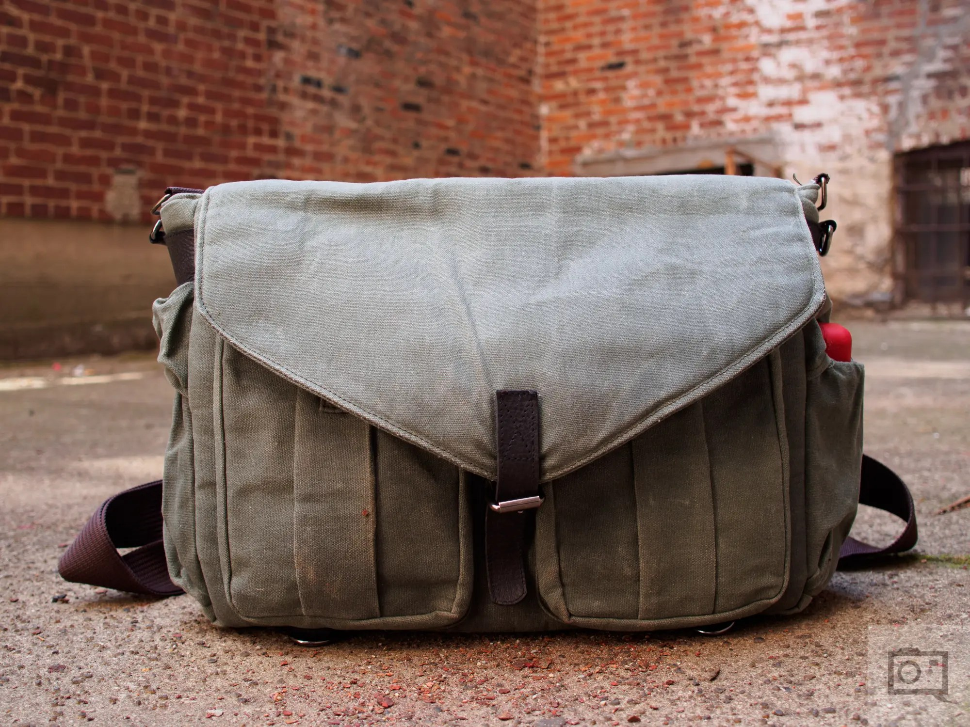 Chris Gampat The Phoblographer QamaySF All In One Waxed Canvas X Grid Bag review product images (10 of 11)ISO 2001-160 sec at f - 2.8