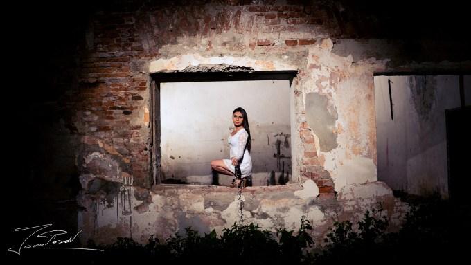 ~Framed Girl~