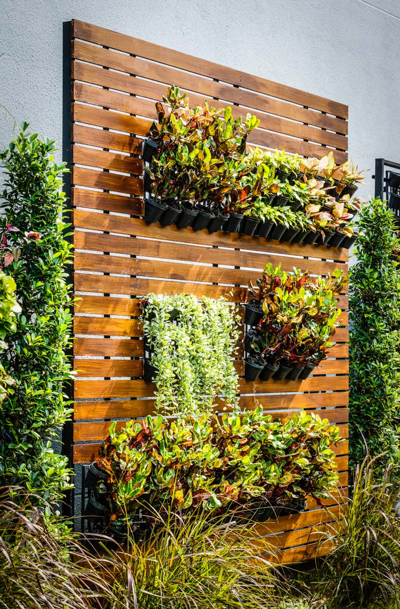 Smashing Where Can You Build A Vertical Vertical Gardens Are Key To City Vertical Window Garden garden Vertical Window Gardens