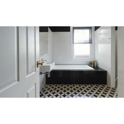 Medium Crop Of Black And White Bathrooms