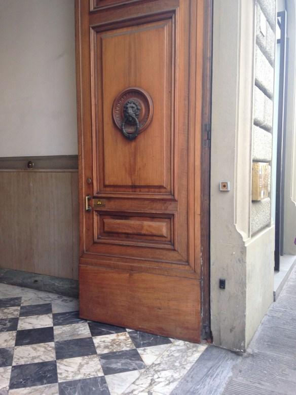 Door BW Floor