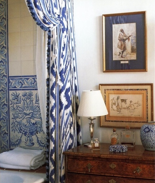 Blue and white Bathroom via Pinterest