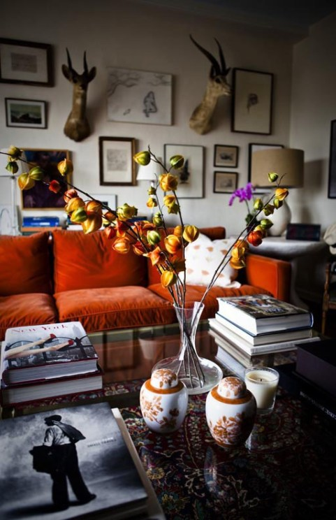 A Pop of Orange in An Apartment designed by Ruthie Sommers via C Mag
