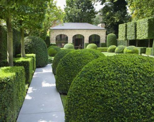 Boxwood Garden via Bungalow Classic Tumblr