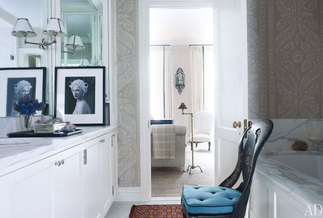 A master bath with a splash of blue in this NYC townhouse by Jeffrey Bilhuber via AD