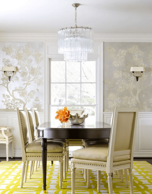 Dining room with soft wallpaper via D Home Magazine