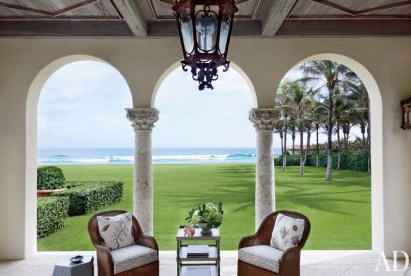Addsion Mizner loggia with decor by David Easton