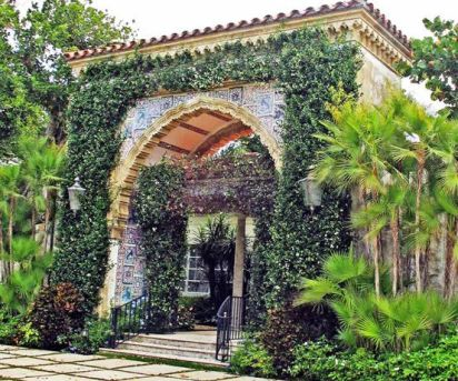 El Mirasol enterance by Mizner via New York Social Diary