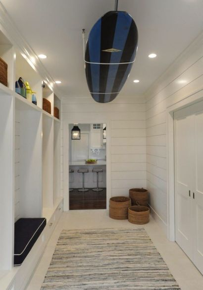 Mud room bu Nina Little Design via House of Turquoise