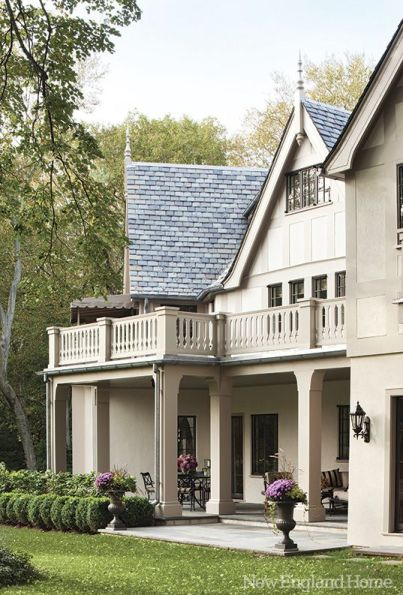 Square columns via New England Home Magazine