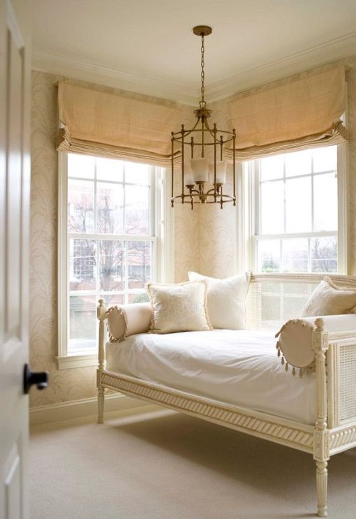 a perfectly feminine and serene daybed via Homebunch
