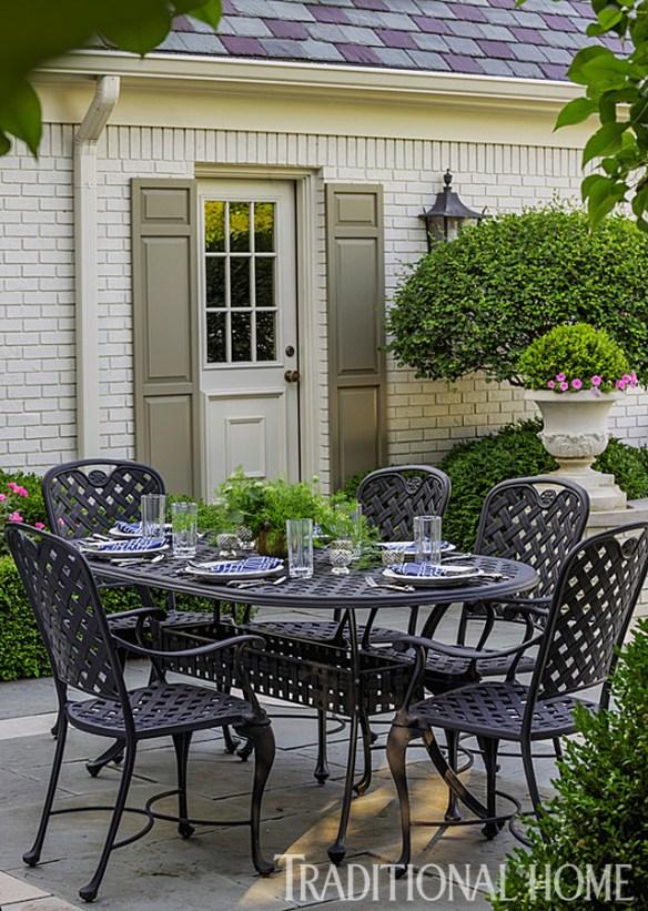 Douglas Hoerr designed garden via Traditional Home 8