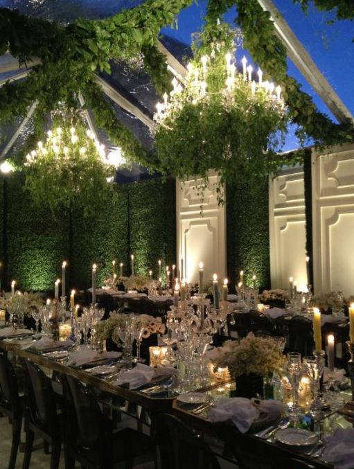Boxwood Walls via Bridal Guide Magazine