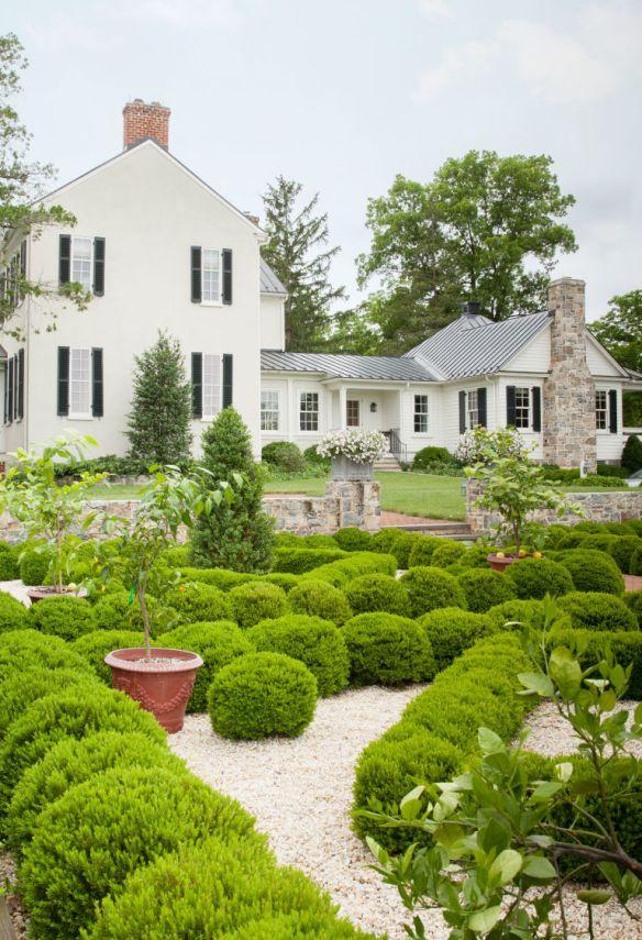 Elizabeth Locke Gardens via Veranda 2