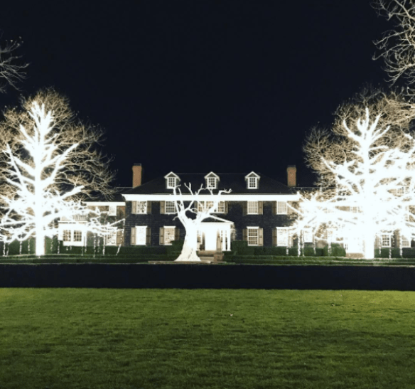 the-gorgeous-home-of-alex-papachristidis-for-christmas