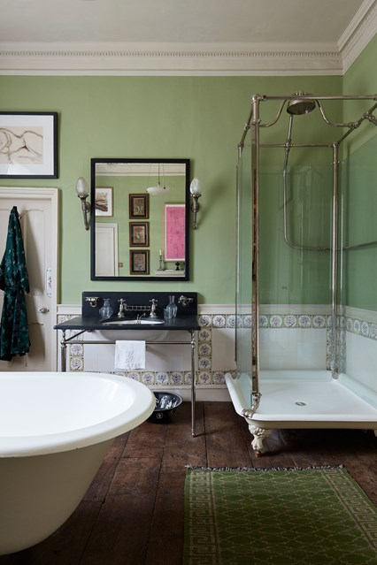 guest-bathroom-edward-bulmer-house-29nov17-Lucas-Allen_b_426x639