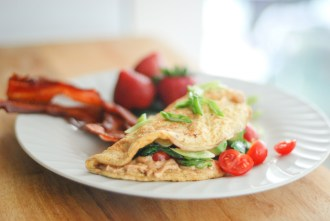 Paleo Hummus Omelette - www.ThePrimalDesire.com