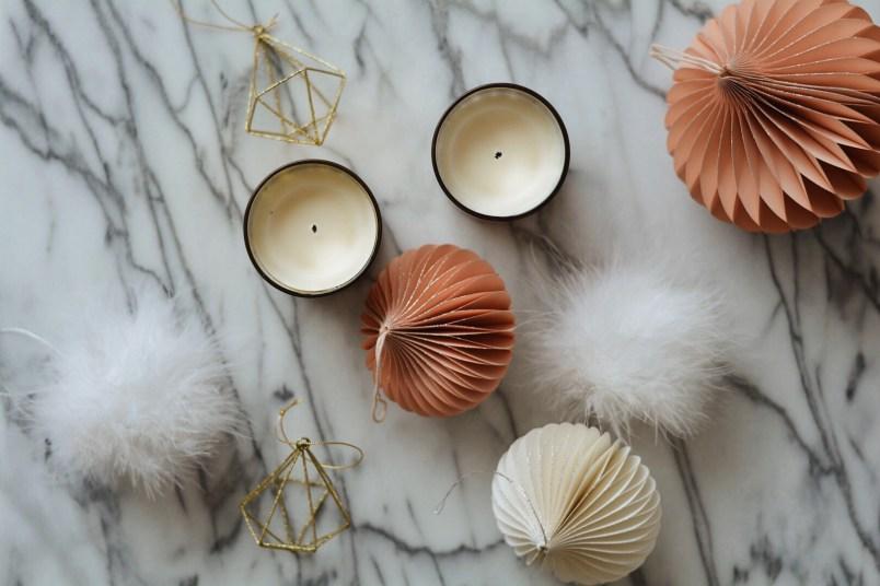 Chic modern holiday decor guide minimalist decorations