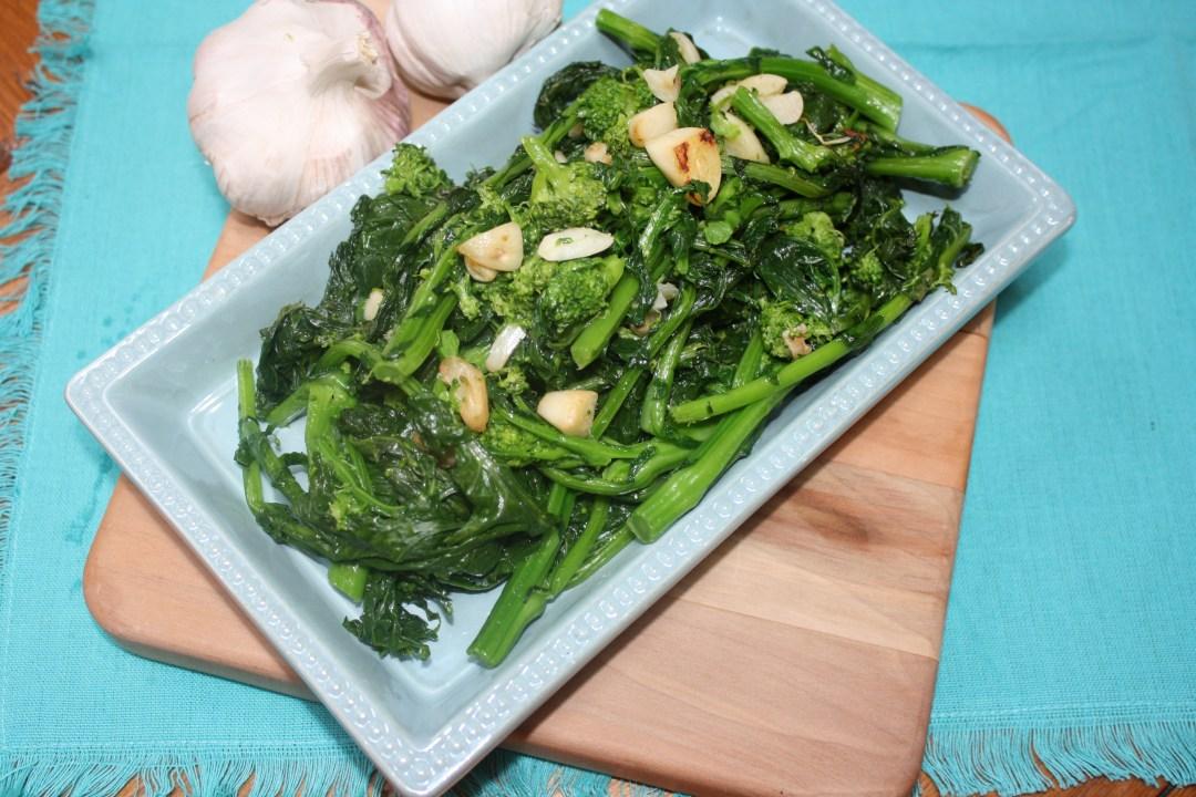 broccoli rabe with garlic dun angle