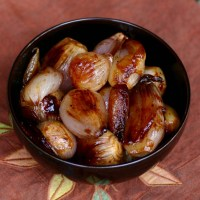 Roasted and Caramelized Whole Shallots