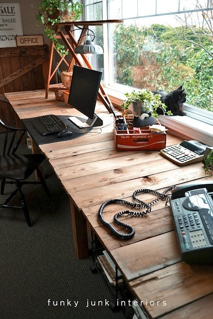 pallet wood project desk via Funky Junk Interiors