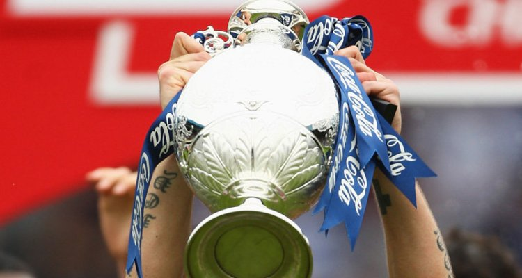Football-League-Championship-trophy_1065415