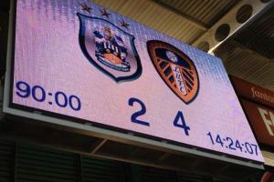 Huddersfield Town 2-4 Leeds United scoreboard