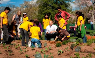 Kids from Bancroft Elementary help in the White House garden