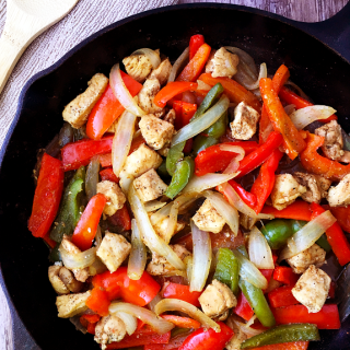 One Skillet Chicken Fajitas / The Small Town Foodie