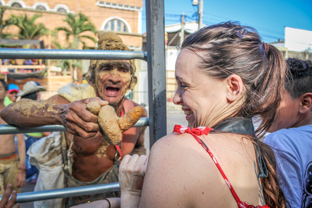Performers often ask for tips at Carnaval de Barranquilla