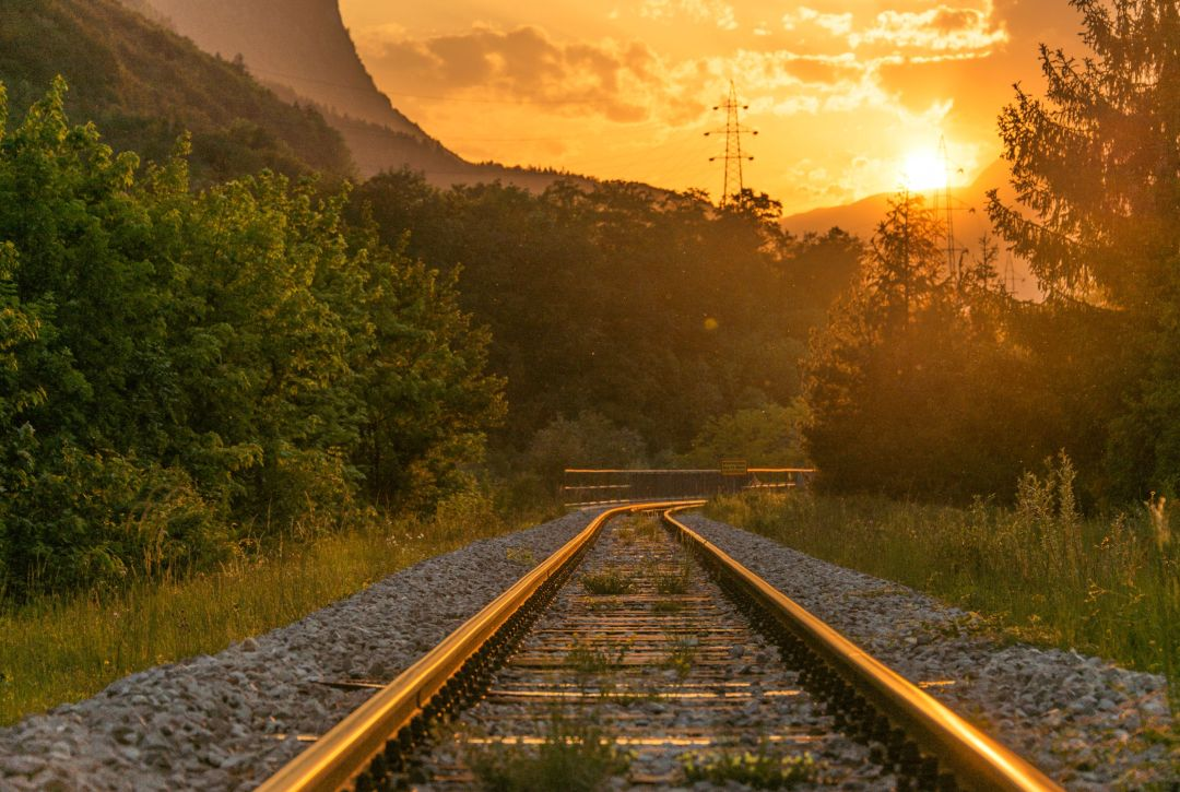 A lesson in compassion and perspective on a train ride from Greece to Macedonia with Syrian refugees | The Mochilera Diaries