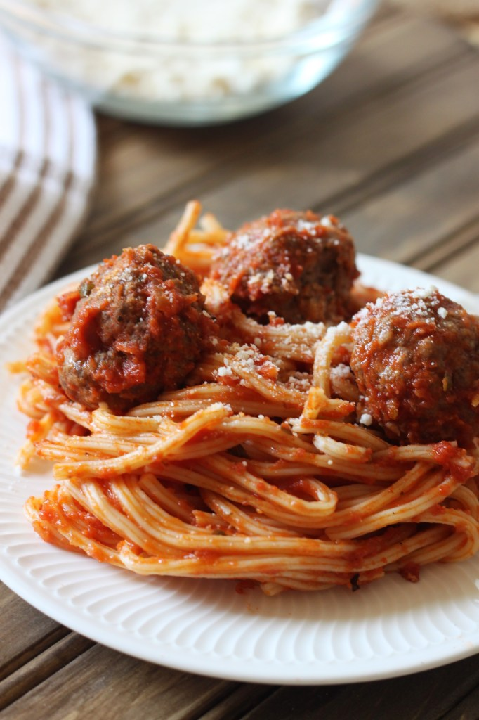 classic-spaghetti-and-meatballs-4