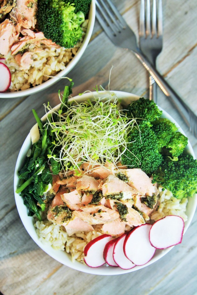 salmon-vegetables-grain-bowl-1