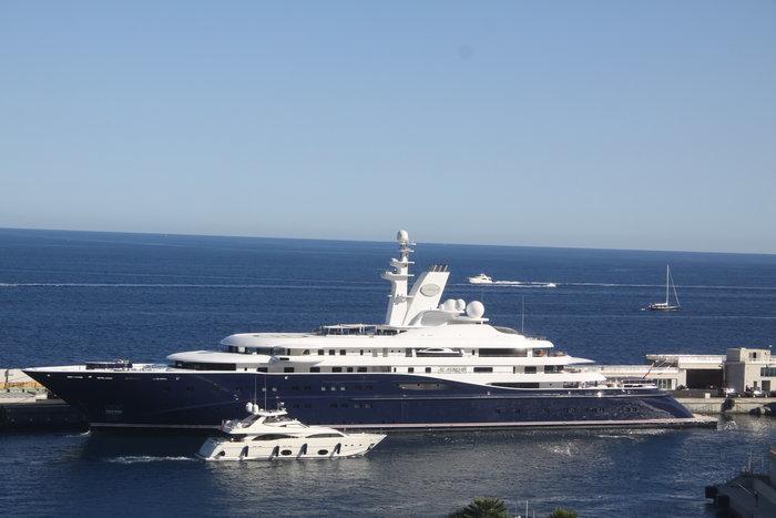 Στην Ίο και τη Μήλο ο Σεΐχης του Κατάρ, με σκάφος 300.000.000 δολαρίων! (Φωτό)