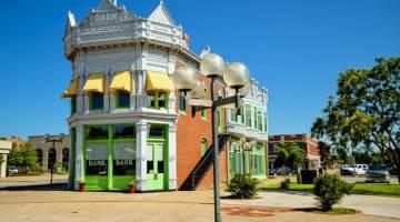 Coffeyville Kansas, Small Town, Big History