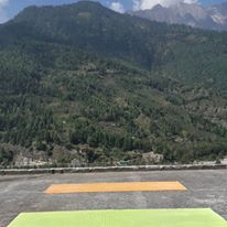 Rooftop yoga in Vashisht. Amazing vibes watching this view during sun salutations.