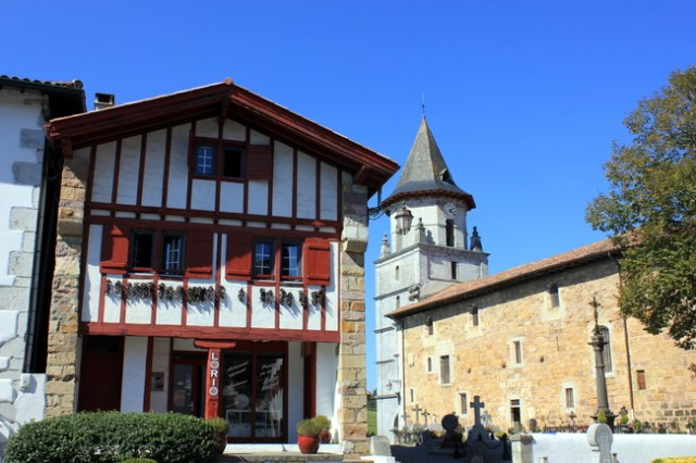 Itinerary one week in basque country the wanderlust effect - Biarritz to st jean pied de port transport ...