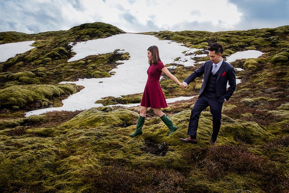 Destination bridal portraits in Iceland. Rowell Photography. www.theweddingnotebook.com