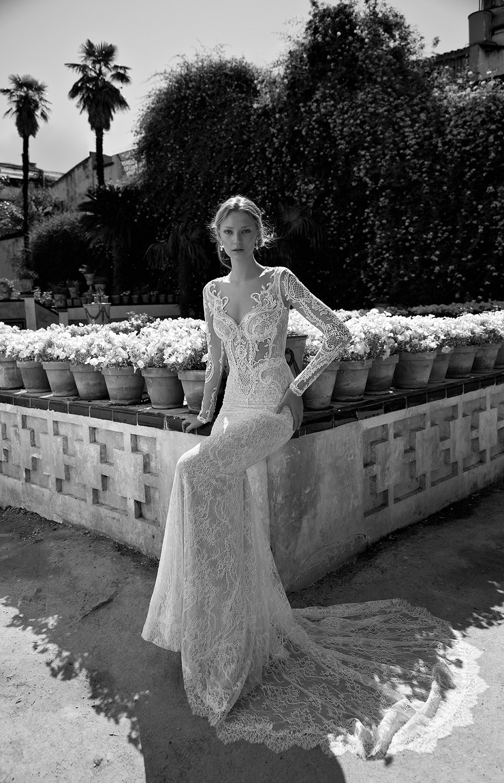 SCARLETT - Alon Livne 2017 Bridal Collection. www.theweddingnotebook.com