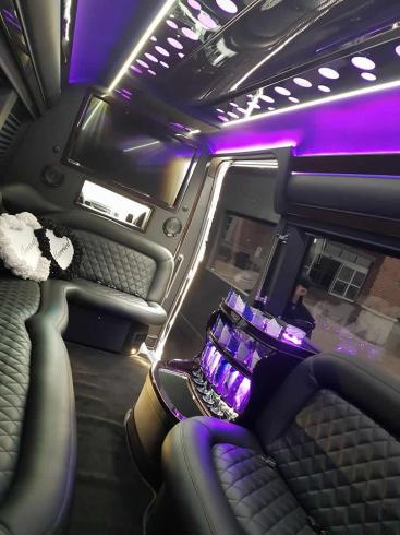 Brentwood Livery's Brand New Limo