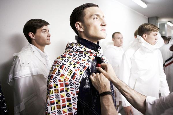moncler_gamme_blu_milan_fashion_week_behind_the_scenes